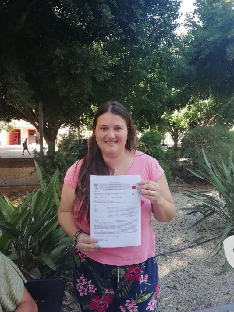 Ana Belén goes for the hybride !! Her paper has just appeared in Applied Surface Science. Congratulations Ana Belén !!