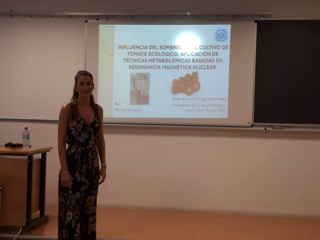 Mar has just defended her TFM (Trabajo Fin de Master) titled: Influencia del sombreo en el cultivo de tomate ecológico. Aplicación de técnicas metabolómicas basadas en RMN.