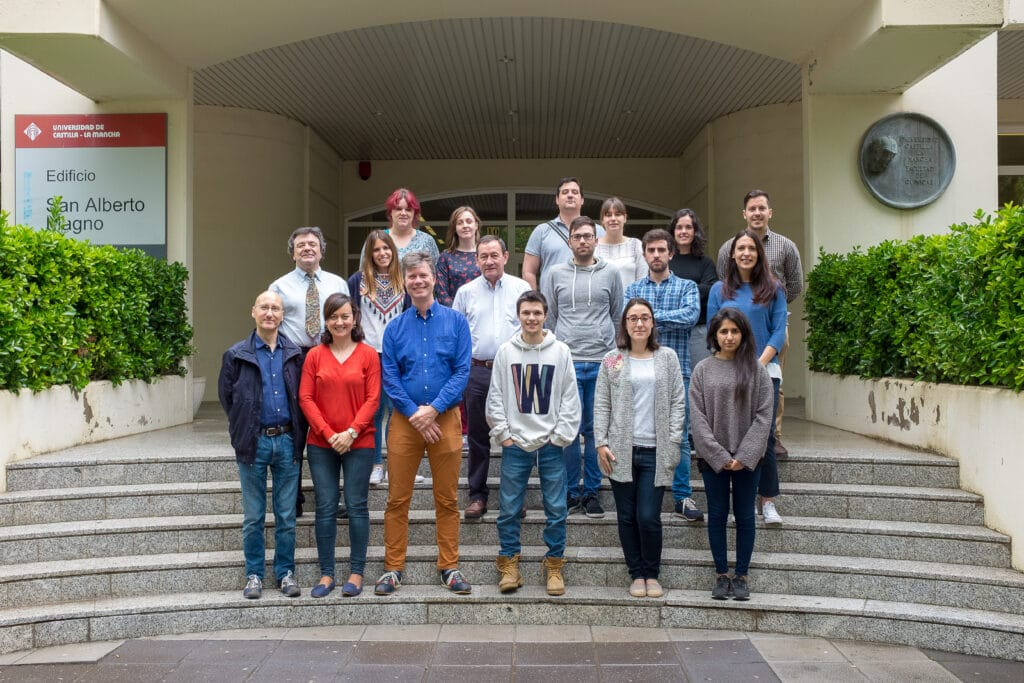 Ana, Luisma and Curro join the first NMR course in UCLM !
