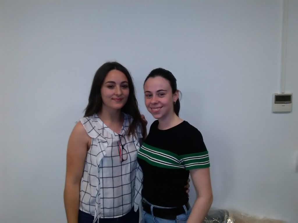 María del Mar and Jennifer are the first chemistry students that will enjoy the «Prácticas de Verano» in the group !